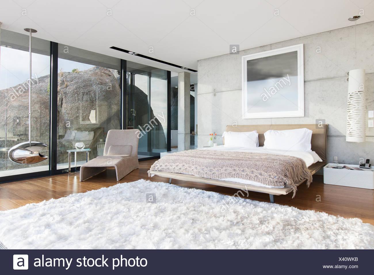 Shag Teppich In Modernen Schlafzimmer Stockfoto Bild 277844655 Alamy