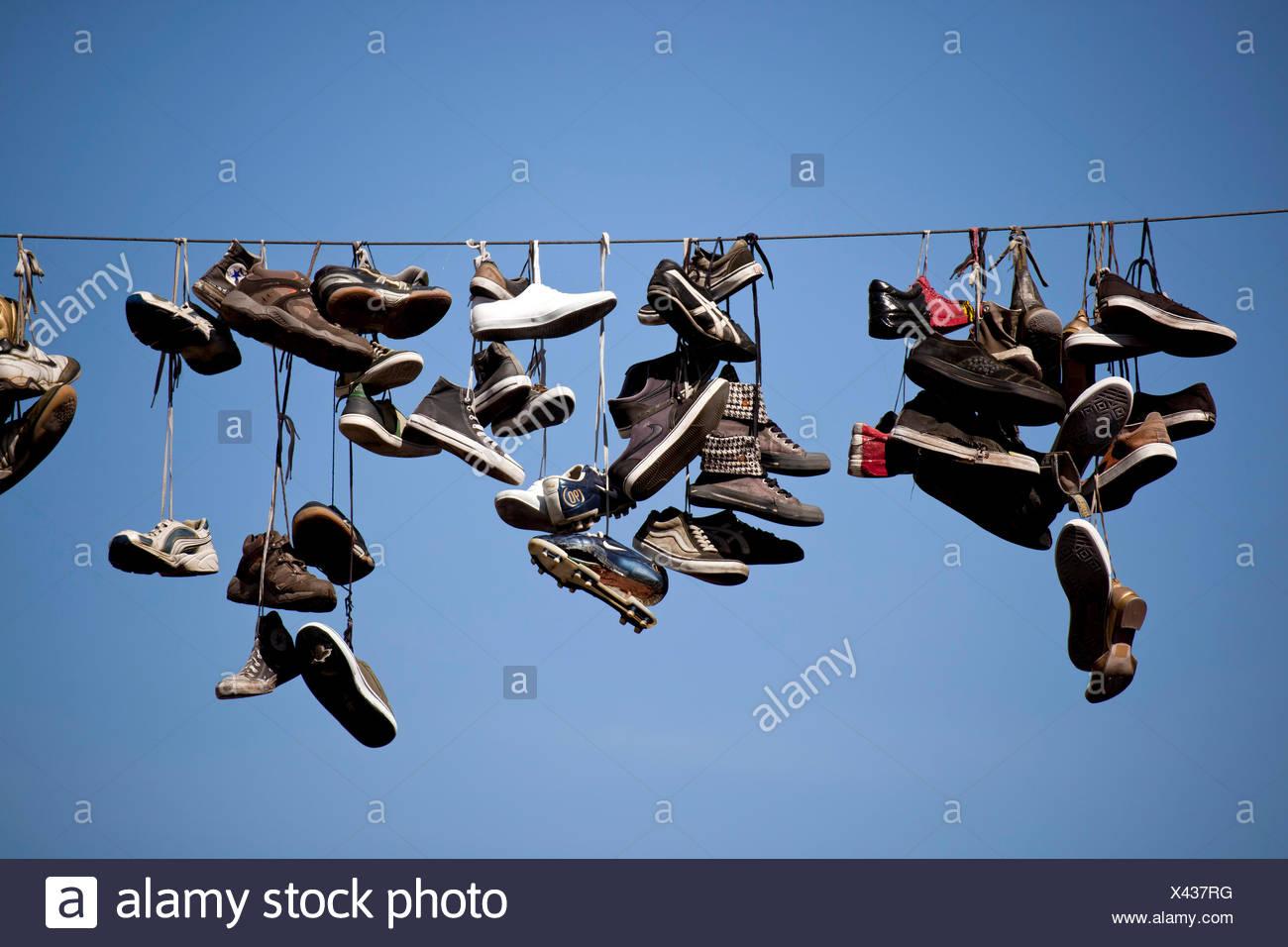 Mysterious hängen Schuhe in der Norderstrasse Flensburg