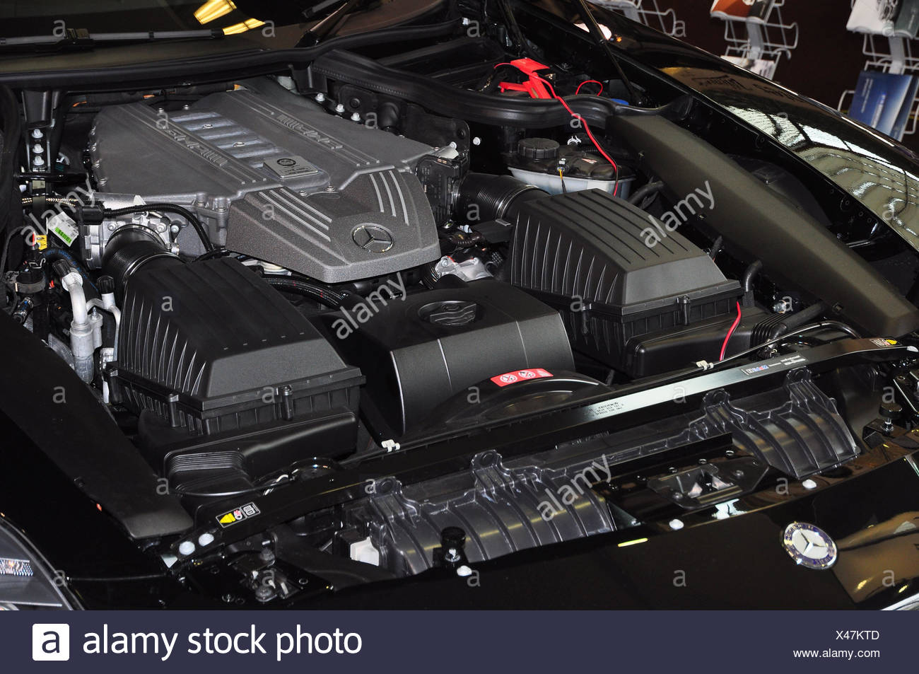 Is An Internal Combustion Engine Stockfotos & Is An Internal ...