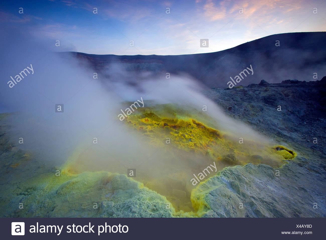 Vulcano, Italien, Europa, Liparischen Inseln, Insel, Insel, Vulkan, Krater, Fumarole, Schwefel, Schwefel, Ablagerung, Dampf, Dunst, sogar Stockbild