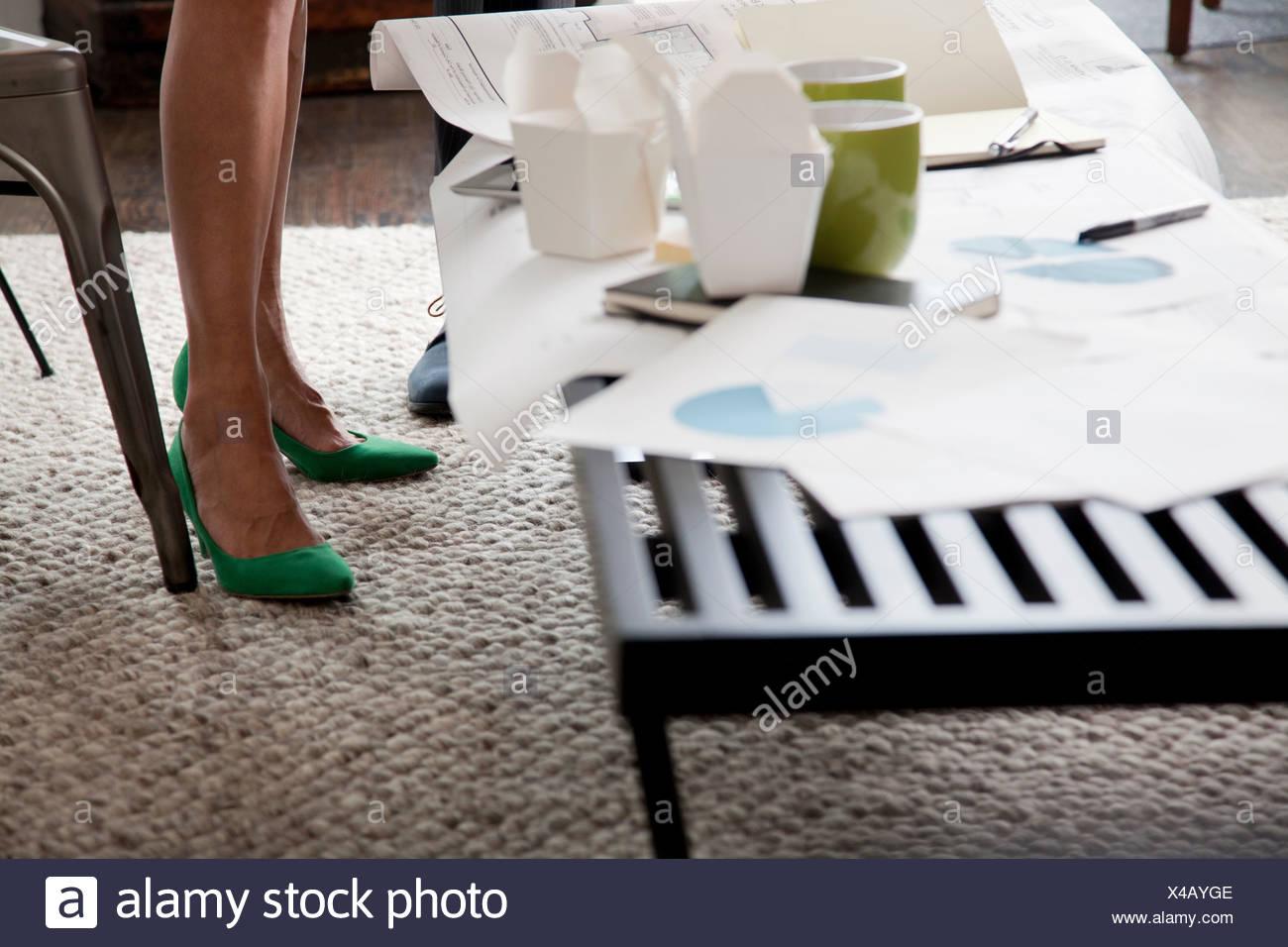 high heels im büro