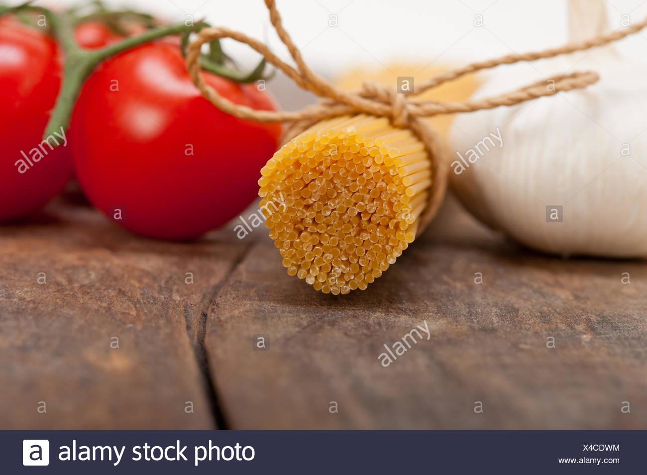 Italienische Pasta grundlegenden Zutaten Stockbild