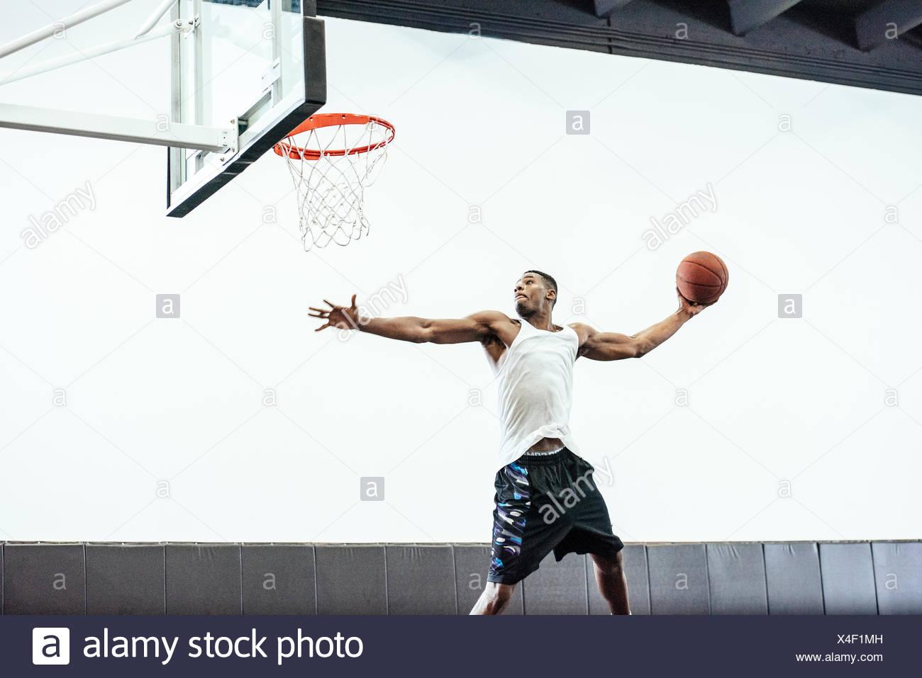 Ausgezeichnet Basketball Malvorlagen Für Kinder Bilder - Druckbare ...