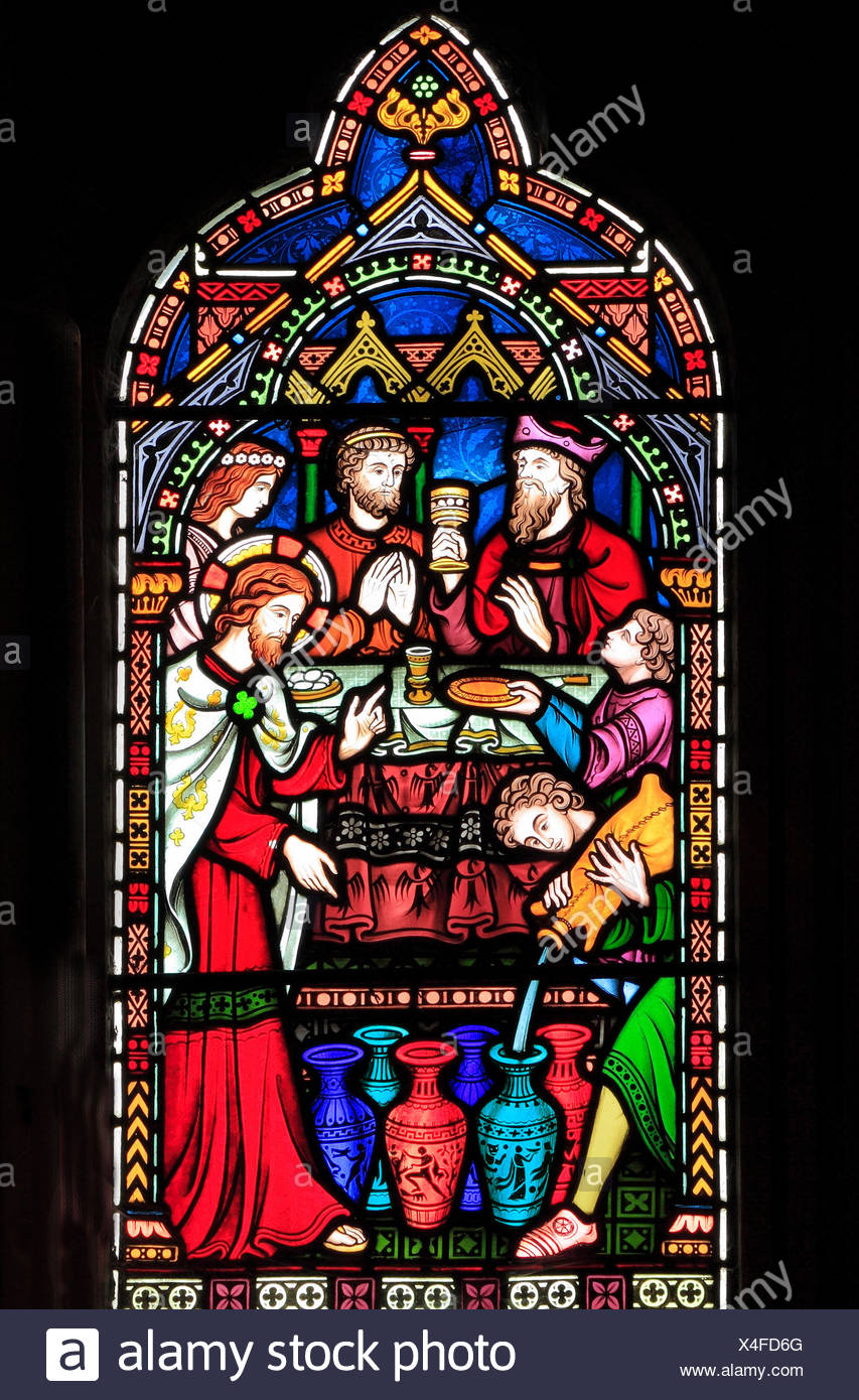 Leben von Jesus, Hochzeitsfest in Kana, Christus verwandelt Wasser in Wein, Glasfenster von Frederick Preedy, 1865, Gunthorpe, Norfolk, England, UK Stockbild