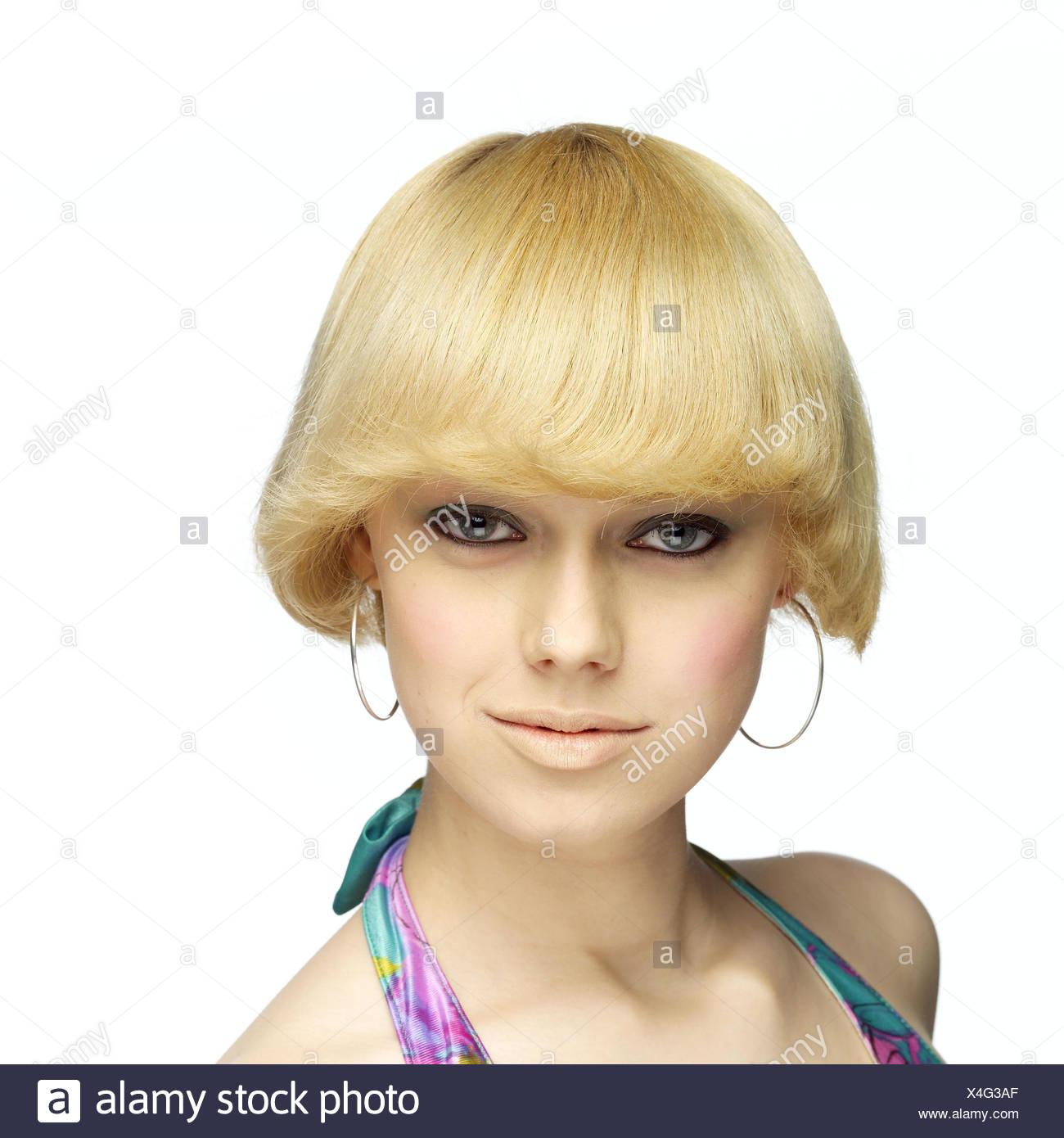 Frau Jung Blond Ernst Selbstbewusst Porträt Frauen