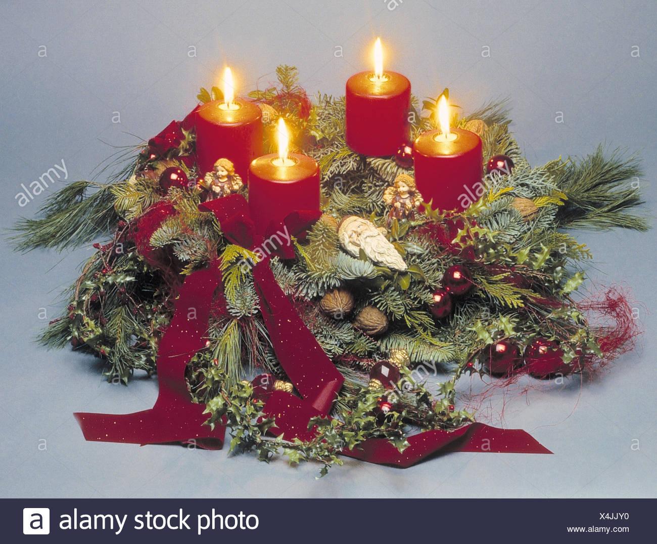 Weihnachten Termine.Adventskranz Kerzen Brennen Wohnraum Dekoration Dekoration
