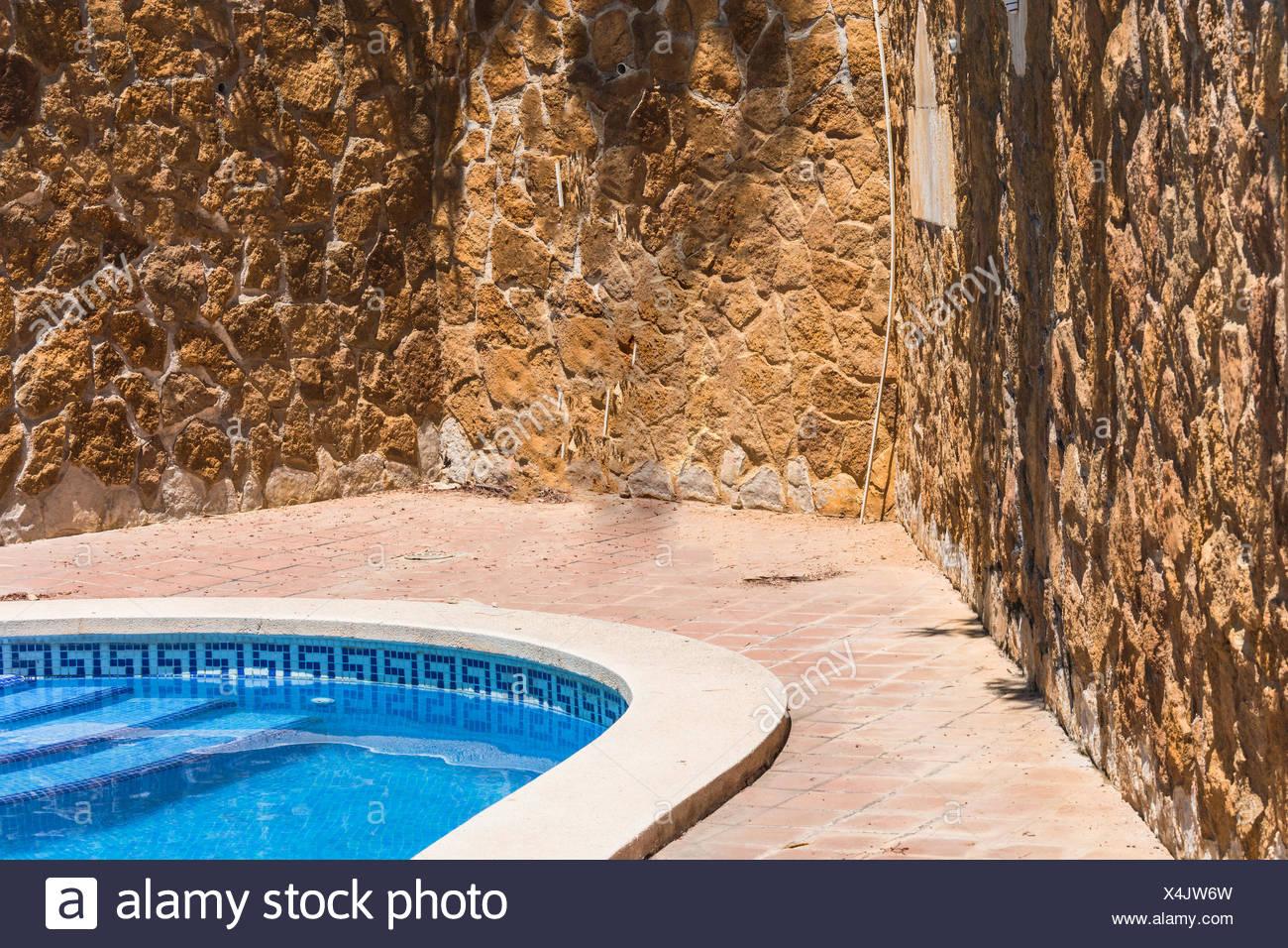 Schon Gallery Of Luxus Mit Schner Des Im Hintergrund Eine Mediterrane Mauer  Dekoriert Mit Sandsteinen With Mediterrane Mauer