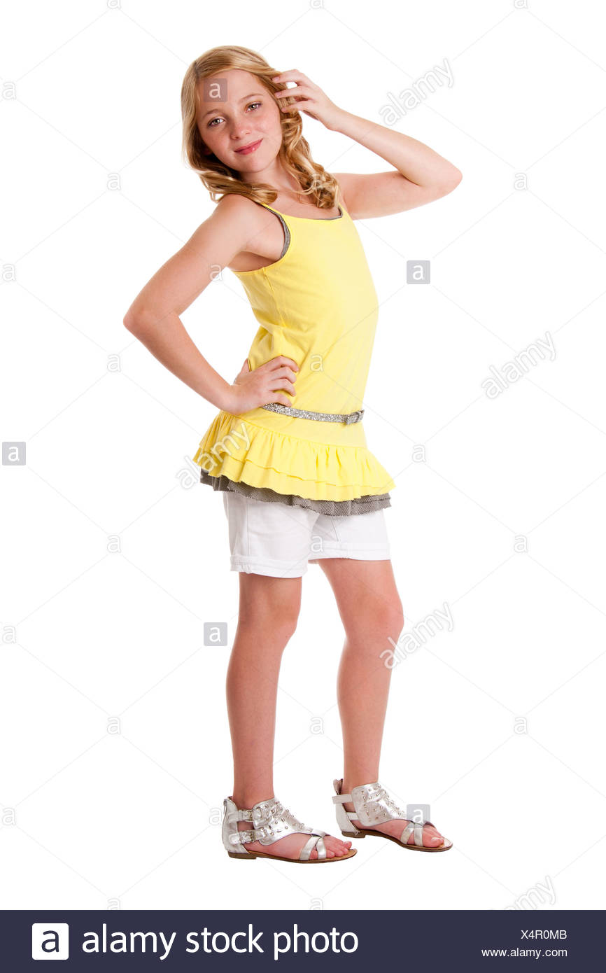 sch ne s e blonde junger teenager m dchen tragen modischer kleidung gelbes hemd geschichteten. Black Bedroom Furniture Sets. Home Design Ideas