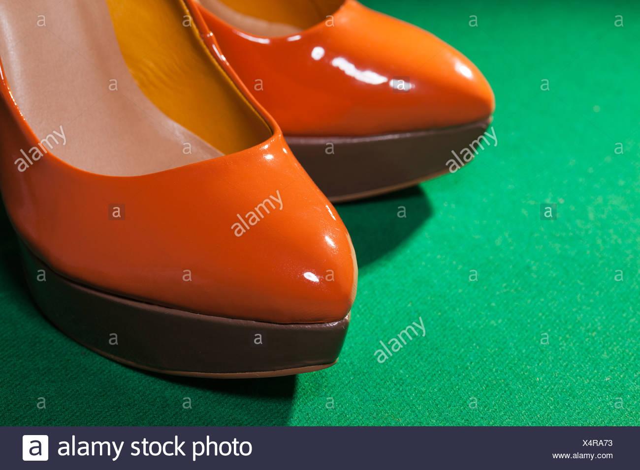Orange Shoe Stockfotos & Orange Shoe Bilder - Alamy