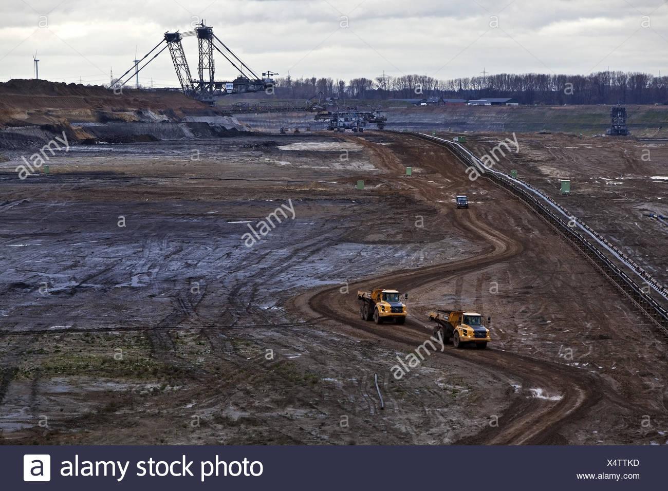 Transport im Braunkohle-Tagebau Inden, North Rhine-Westphalia, Germany, Europe Stockbild