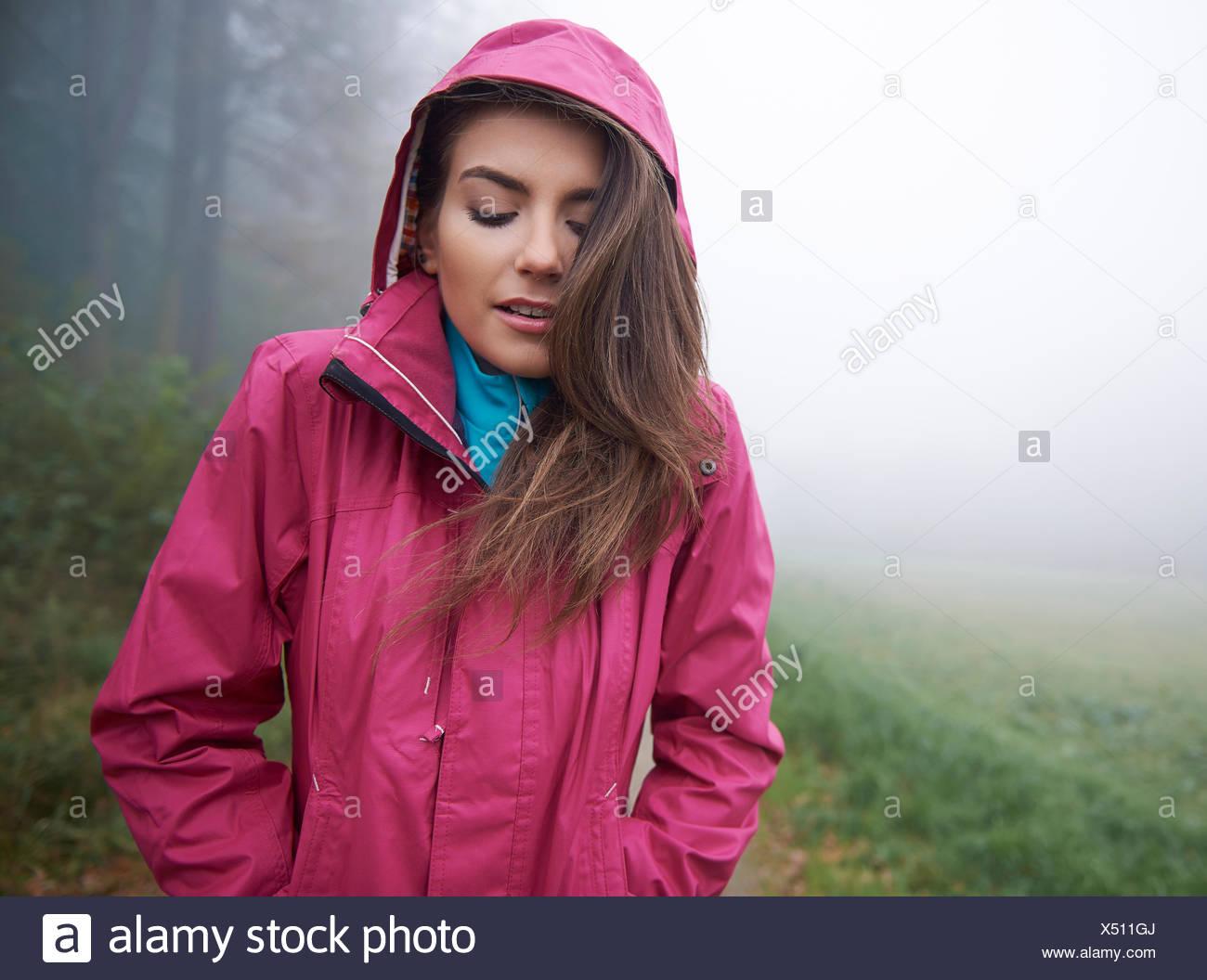 Ich mag keine Kälte. Debica, Polen Stockbild