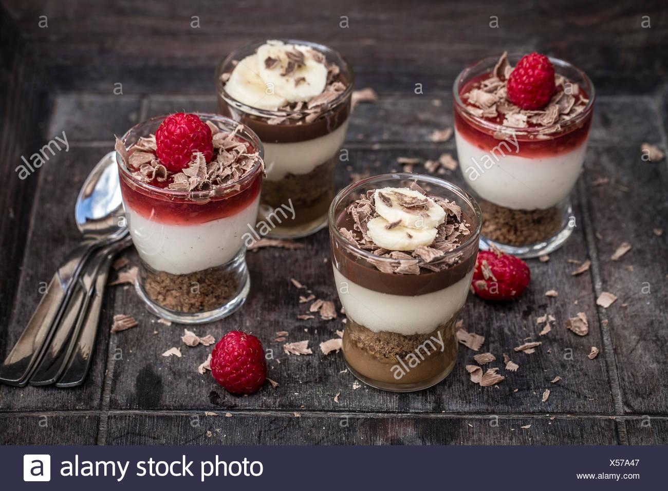 Desserts In Gläsern Himbeer Mascarpone Und Spekulatius Und Schoko