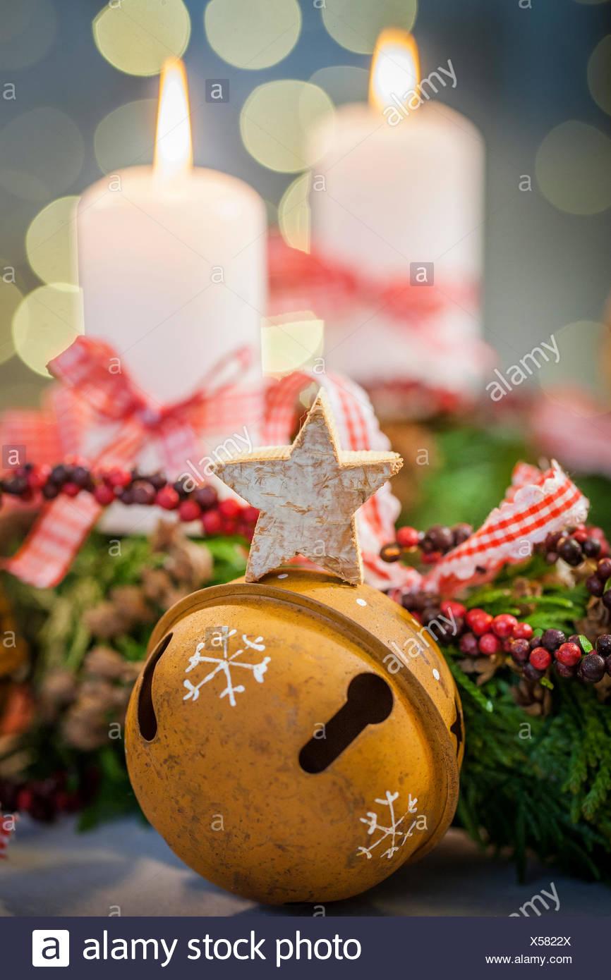 Nett Draht Aufhänger Ornament Kranz Fotos - Die Besten Elektrischen ...