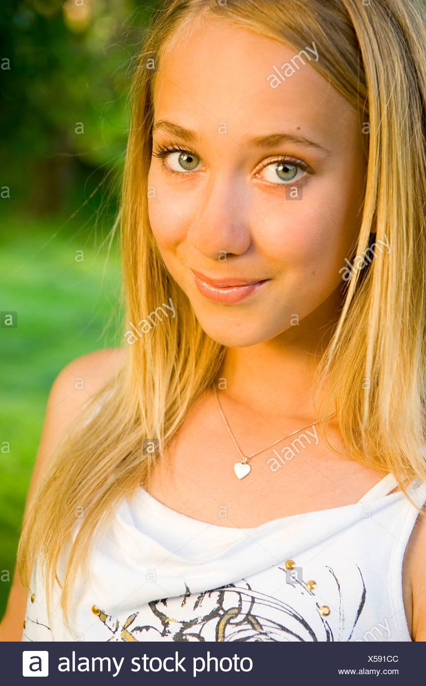 Blonde haare grüne augen weiblich