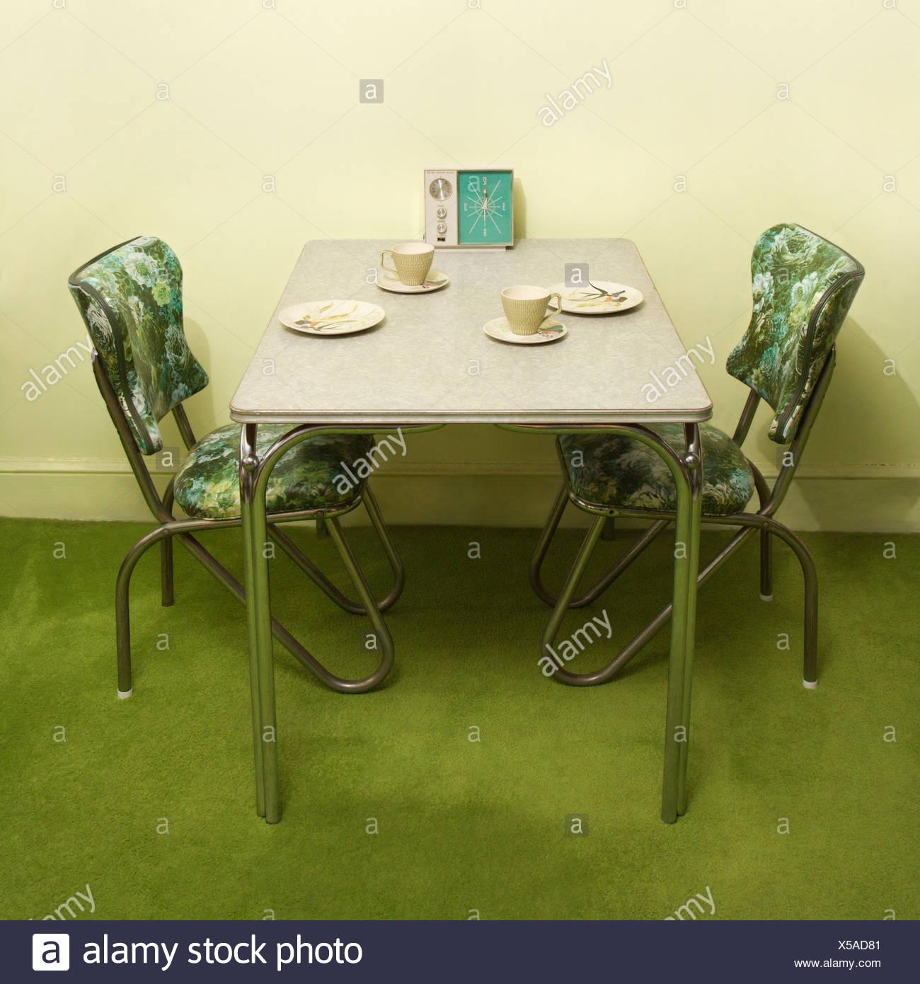 Retro 50 s Formica und Chrom Dinette set mit grünen Vinyl Stühle ...