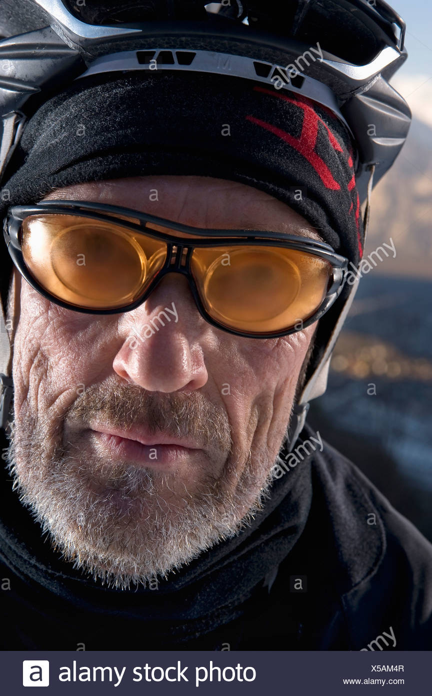 Österreich, Tirol, Mountainbiker, Nahaufnahme Stockbild