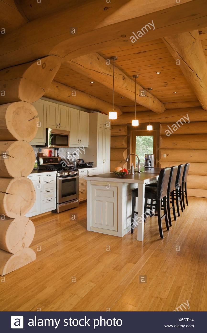 Gut gemocht Weiße Küche-Kabinette und Insel und Barhocker in Küche eine FR35