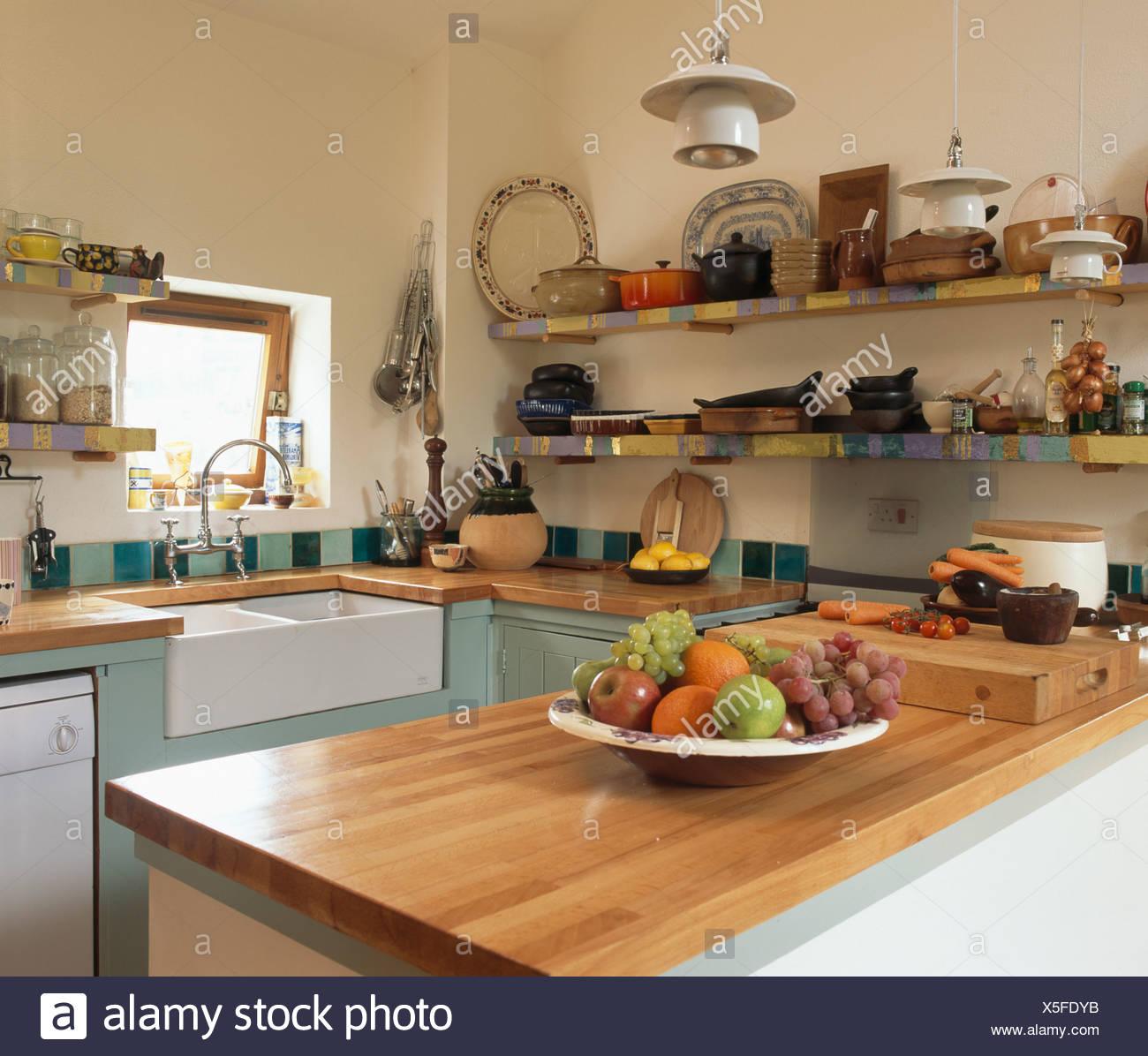 Kirschbaum Holz Arbeitsplatte In Kleine Landhaus Kuche Mit Spule Und