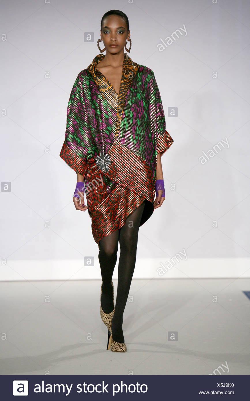 Fashion Week 2008 Stockfotos & Fashion Week 2008 Bilder - Seite 18 ...