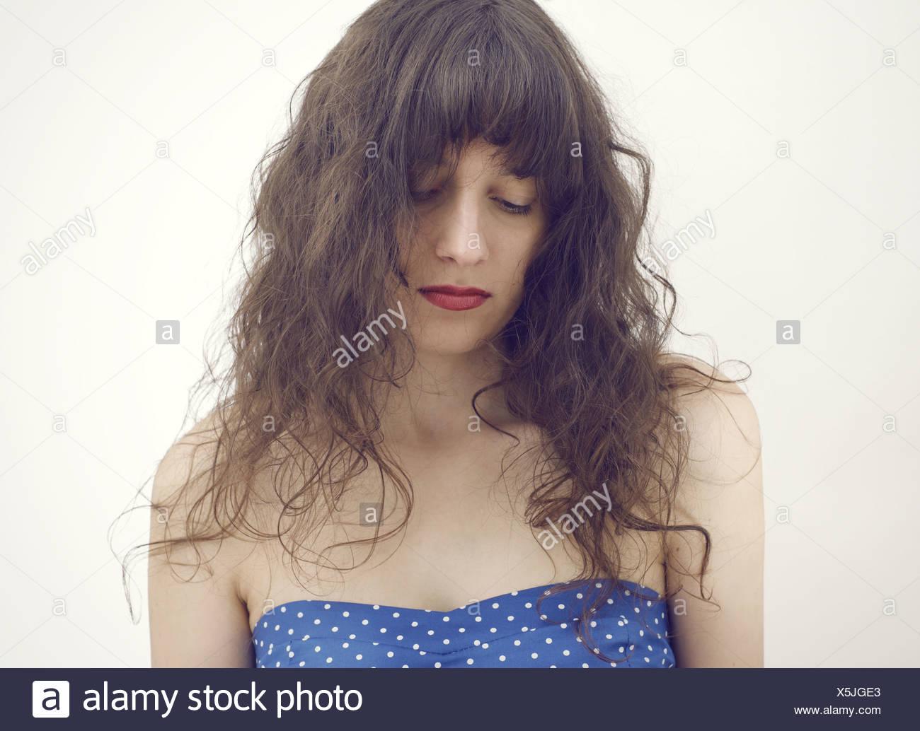 Portrait-Foto einer jungen Frau von traurig und deprimiert Stockbild