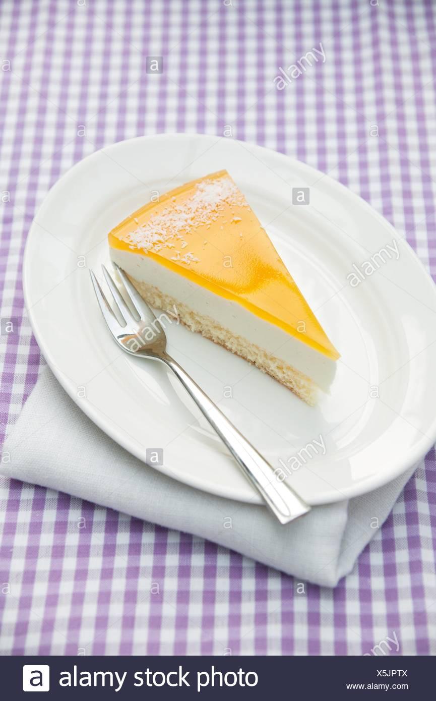 Ein Stuck Der Creme Fraiche Und Vanille Kuchen Garniert Mit