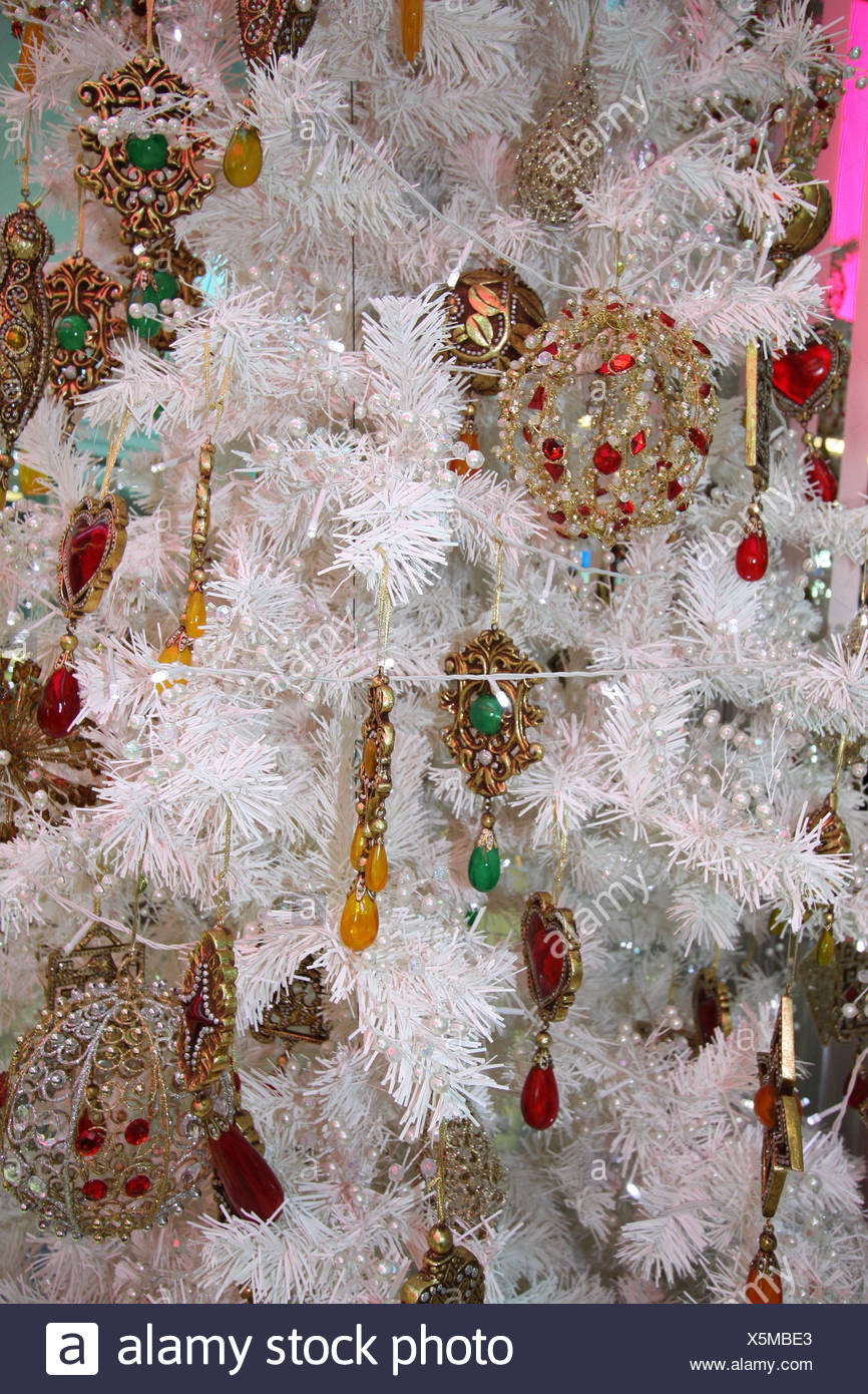 Weißer Tannenbaum Künstlich.Weihnachtsbaum Künstlich Weiße Eingerichtet Detail Weihnachten