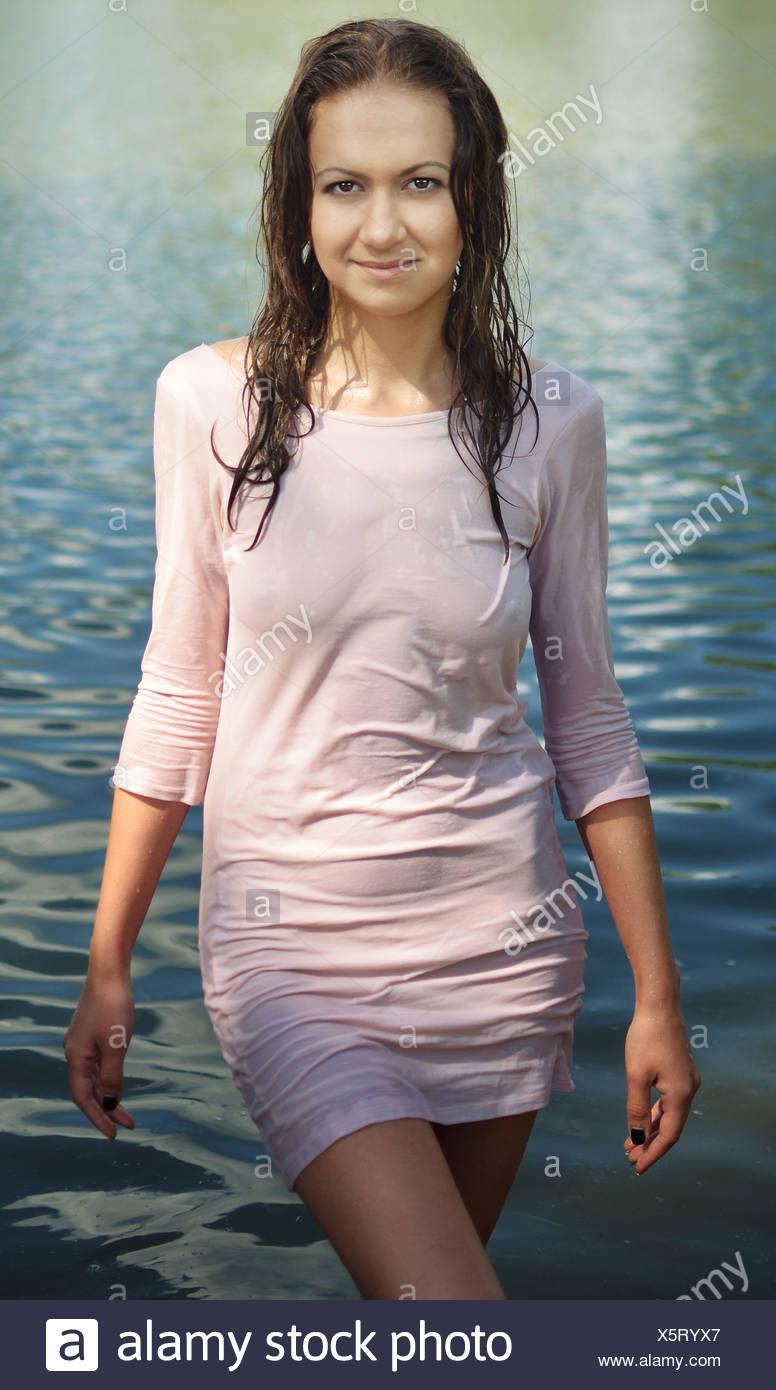nasse Kleidung Stockfotografie - Alamy