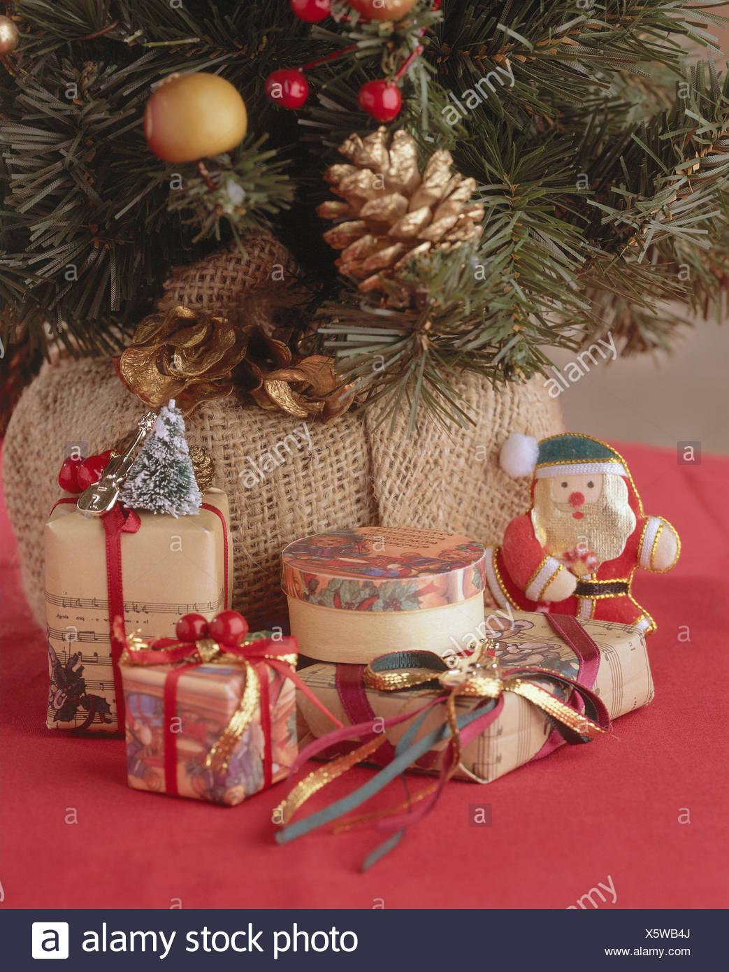 Weihnachten Nostalgisch.Weihnachtsbaum Geschenke Detail Nostalgie Nostalgisch