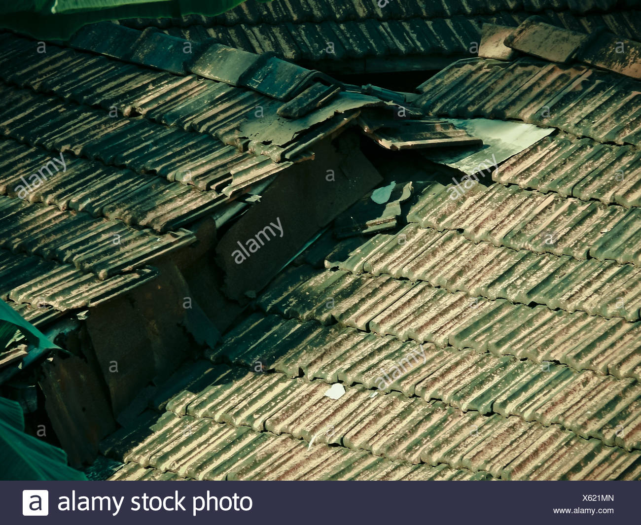 Traditionelle Dachschräge mit Manglori Fliesen gemacht Stockbild