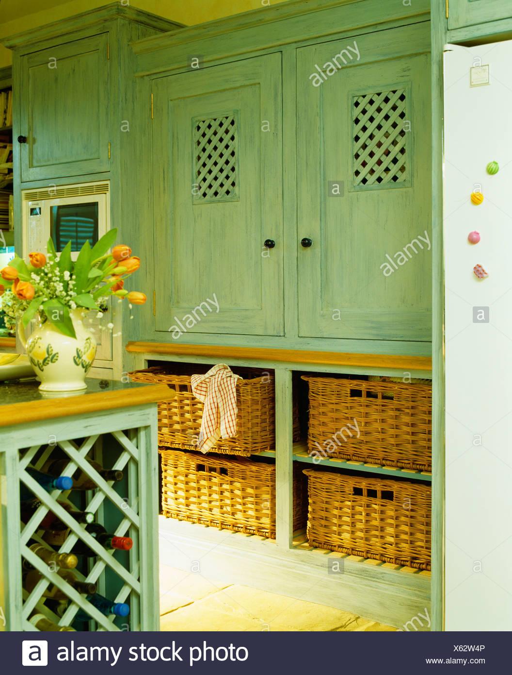 Eingebauten Schrank lackiert in grün Farrow + Ball malen und mit ...