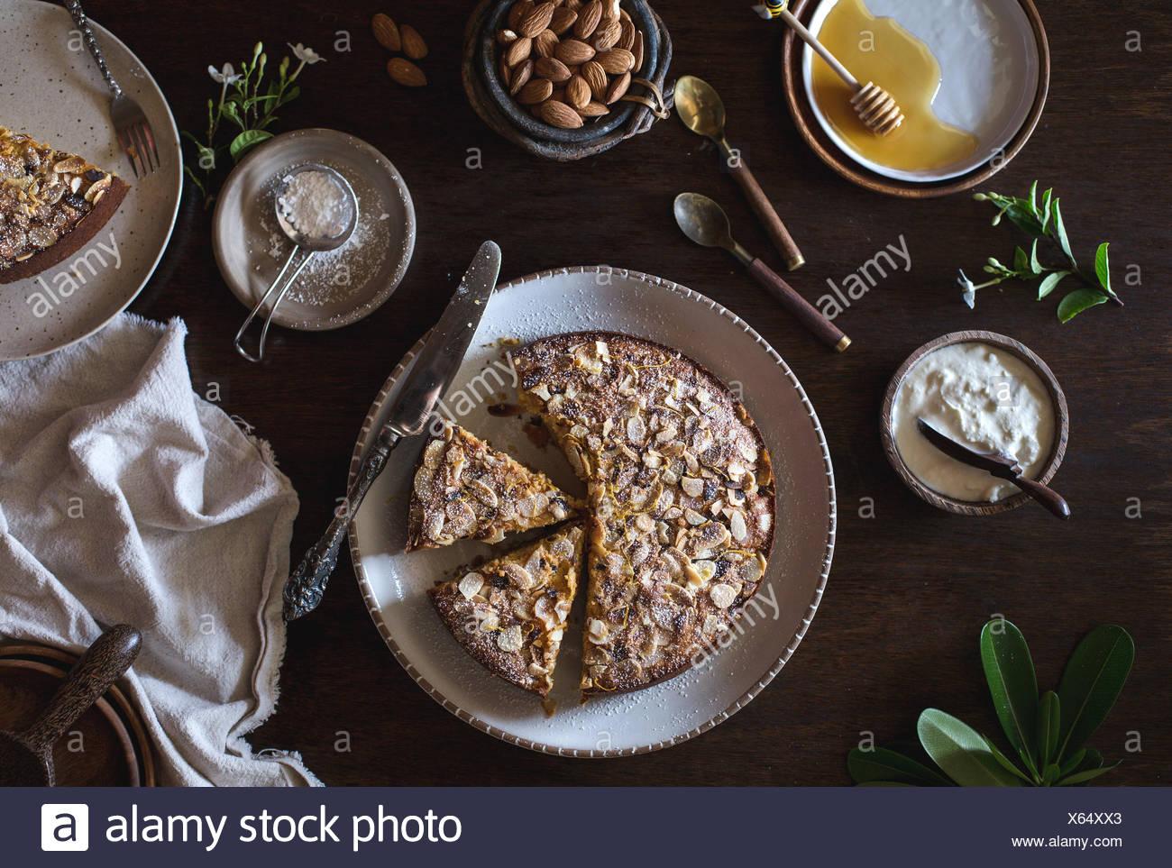 In Scheiben Geschnitten Ricotta Und Mandel Kuchen Mit Puderzucker