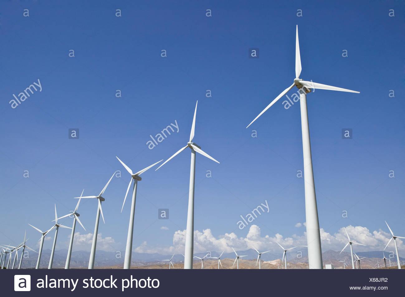 Windenergieanlagen in Kalifornien Stockbild