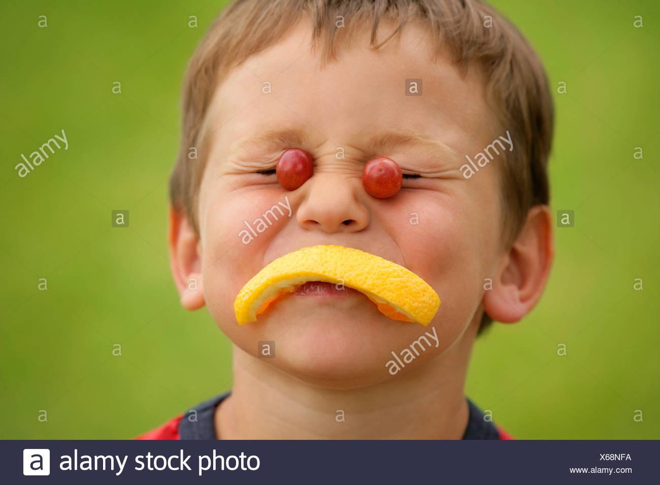 Ein fruchtiger Gesicht Stockbild