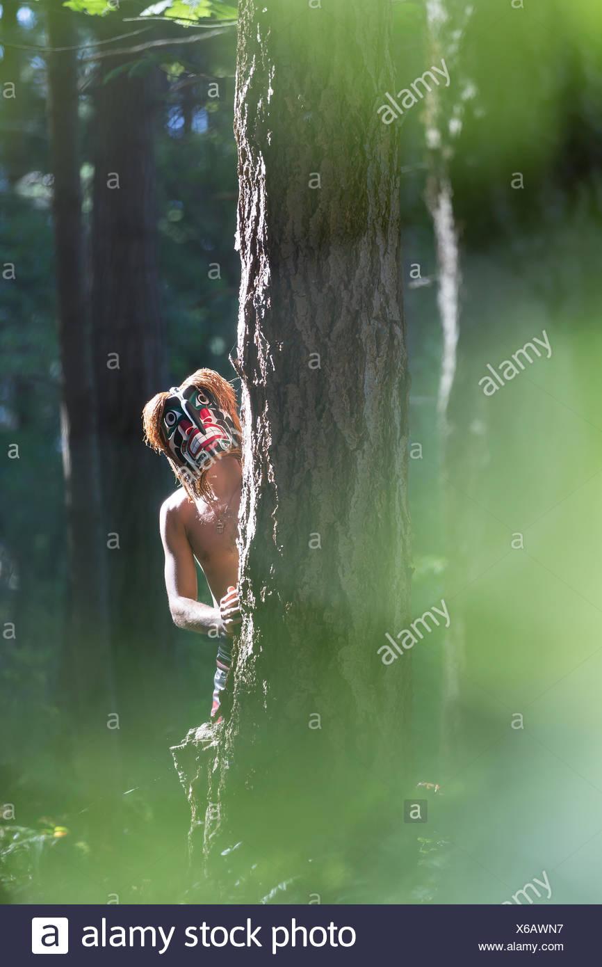 Bukwis, wilde Mann von den Wäldern in den ersten Nationen Lore die Wälder des Pazifischen Nordwesten durchstreift, Comox, Vancouver Island, British Columbia, Kanada Stockbild