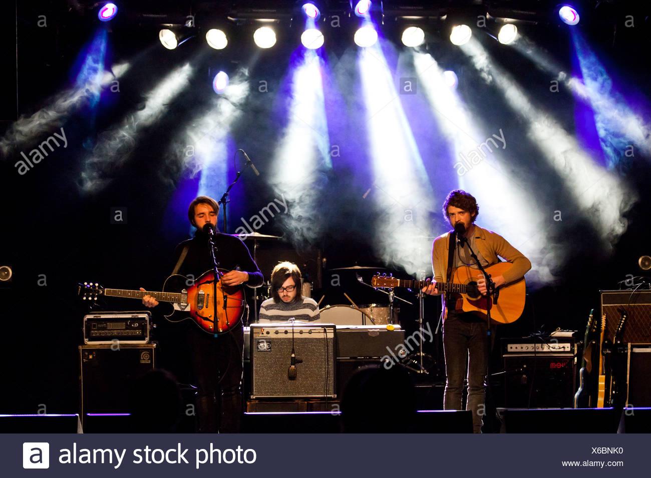 Britischen alternative-Pop und Rock band Goldheart Assembly, die live im Konzertsaal Schueuer, Luzern, Schweiz Stockbild