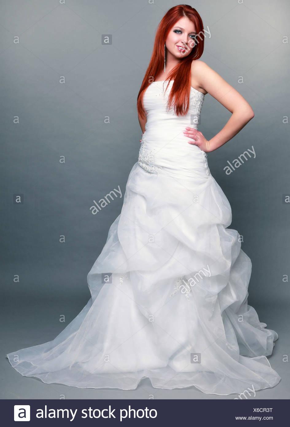Berühmt Einfache Weißen Brautkleider Galerie - Brautkleider Ideen ...