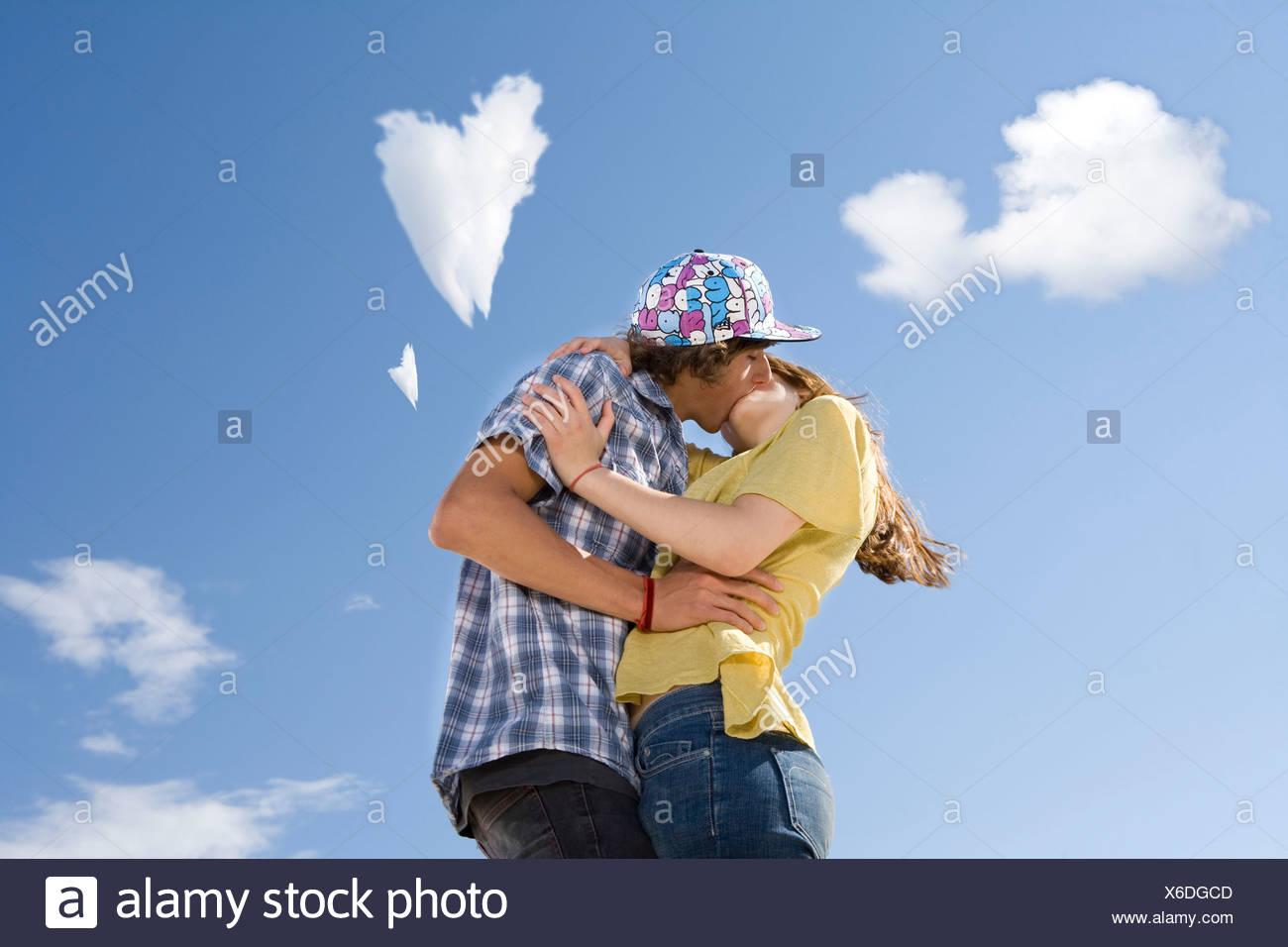 teen paare machen leidenschaftliche liebe