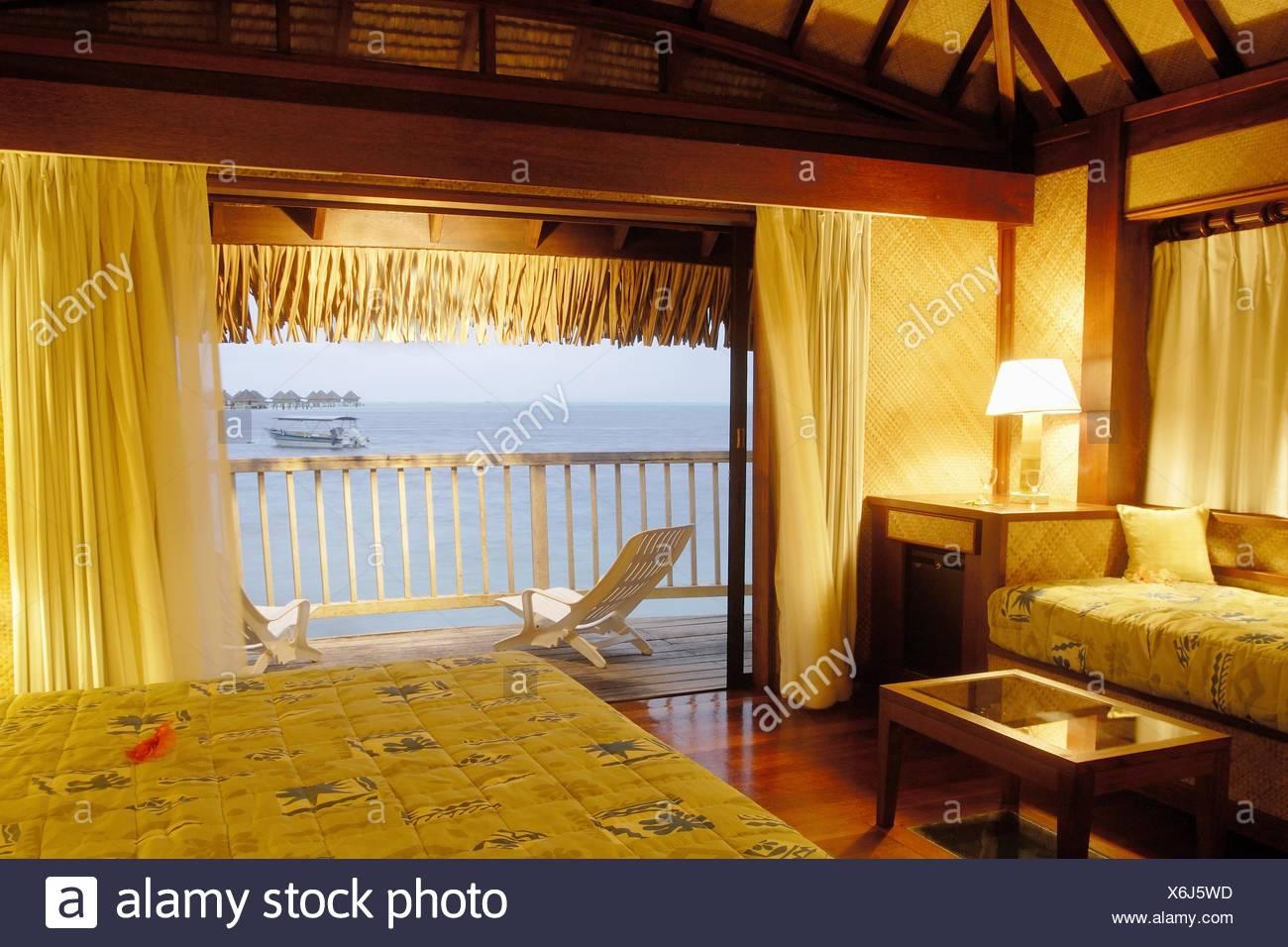 Interieur de Bungalow, Hotel Maitai Polynesia, Bora-Bora, Iles De La Societe, Archipel De La Polynesie Francaise, Ozean Pacifique sud Stockbild