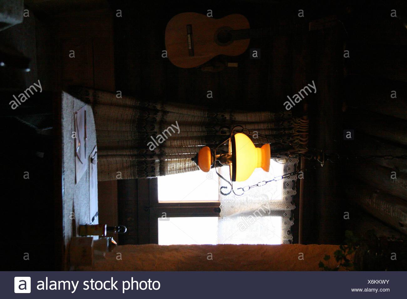 Restaurant Im Komfortablen Beizen Frbung Lampe Gitarre Fenster Abdeckung Engadin Schweizer Schweiz Europa