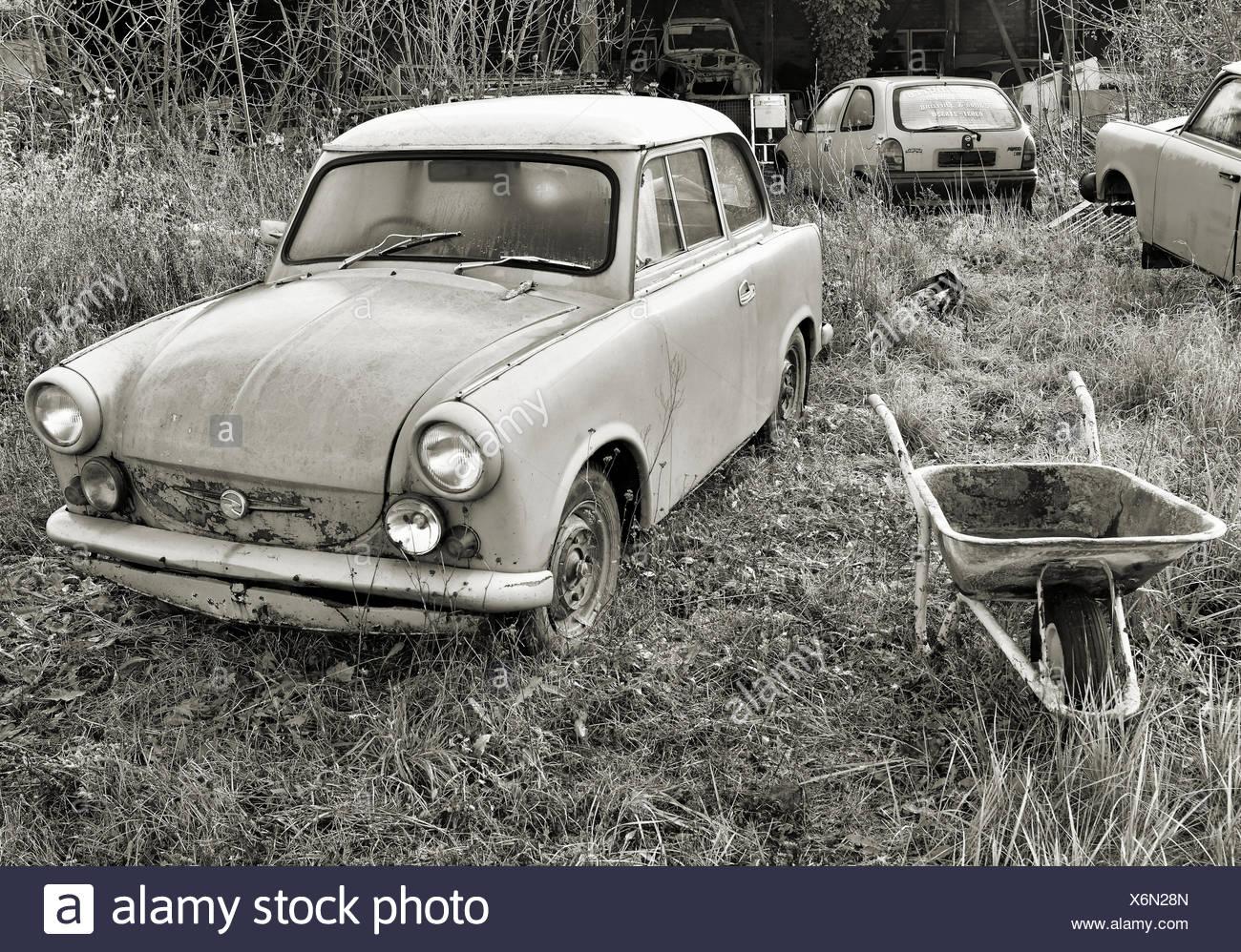 ein altes kaputtes auto stockfoto bild 279516629 alamy. Black Bedroom Furniture Sets. Home Design Ideas