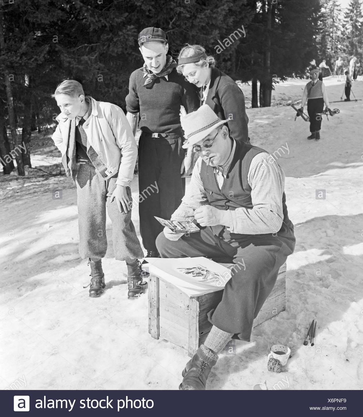 Ein Ausflug in Das Skigebiet Reheberg Im Erzgebirge, 1930er Jahre Deutsches Reich. Ein Ausflug ins Schigebiet Rehberg im Erzgebirge, Deutschland der 1930er Jahre. Stockbild