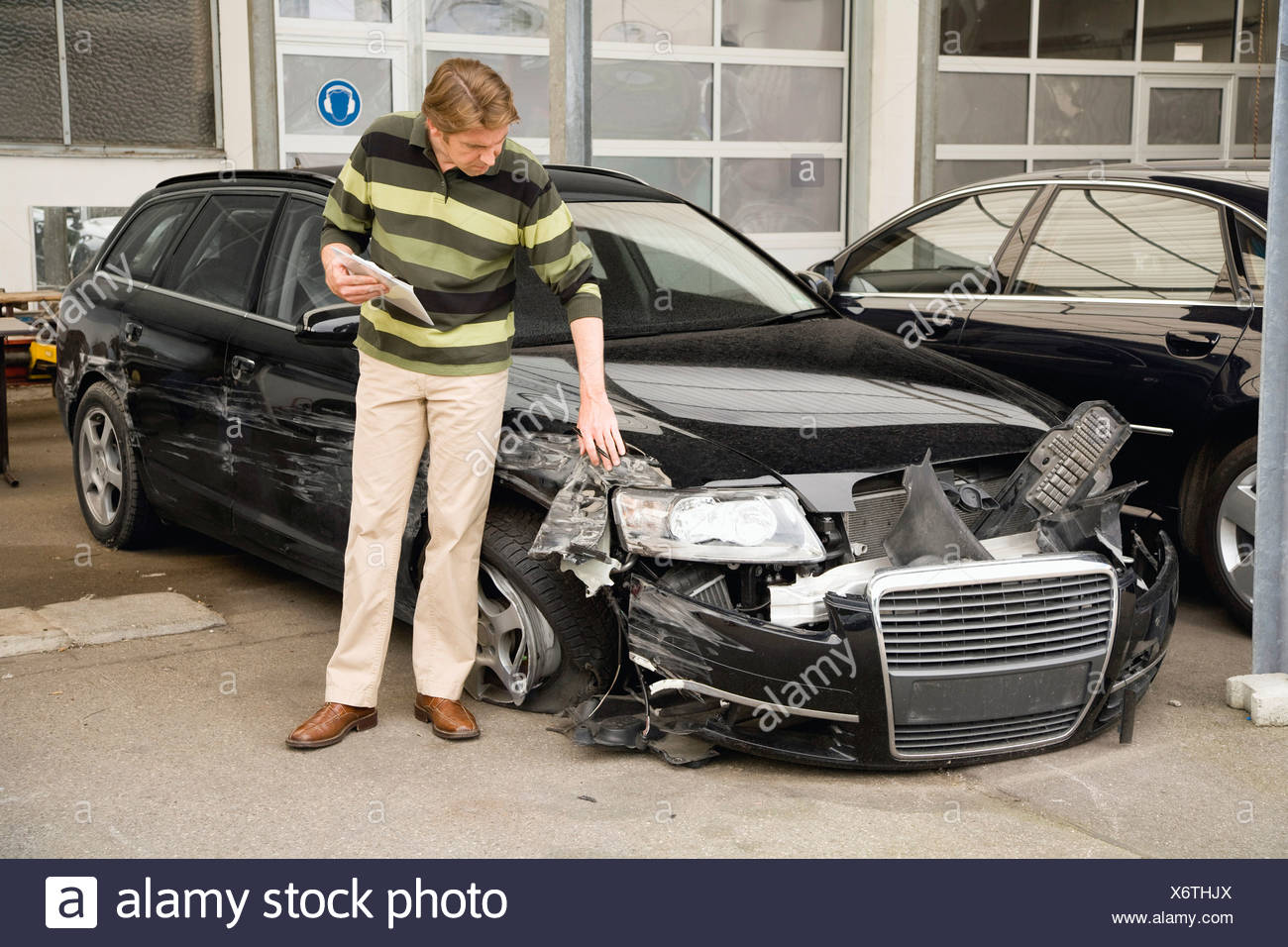 Versicherungssachverständigen Schadensbewertung, Auto Stockbild