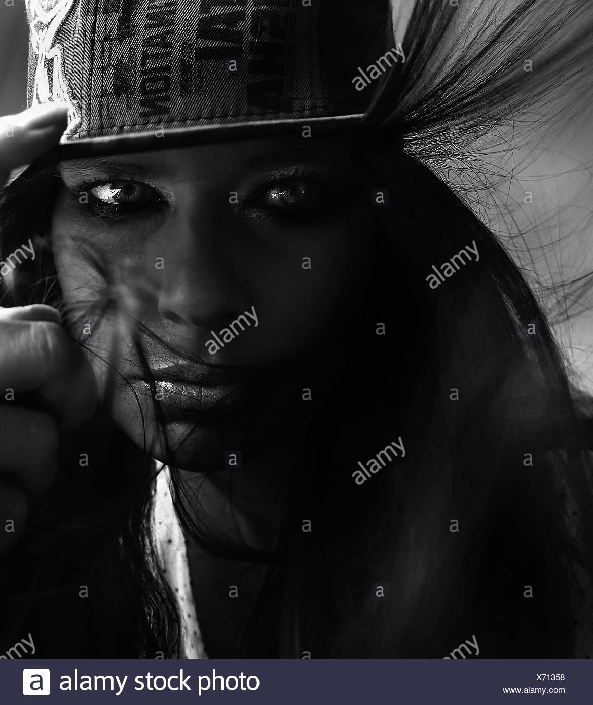 Porträt der schönen jungen Frau Stockbild