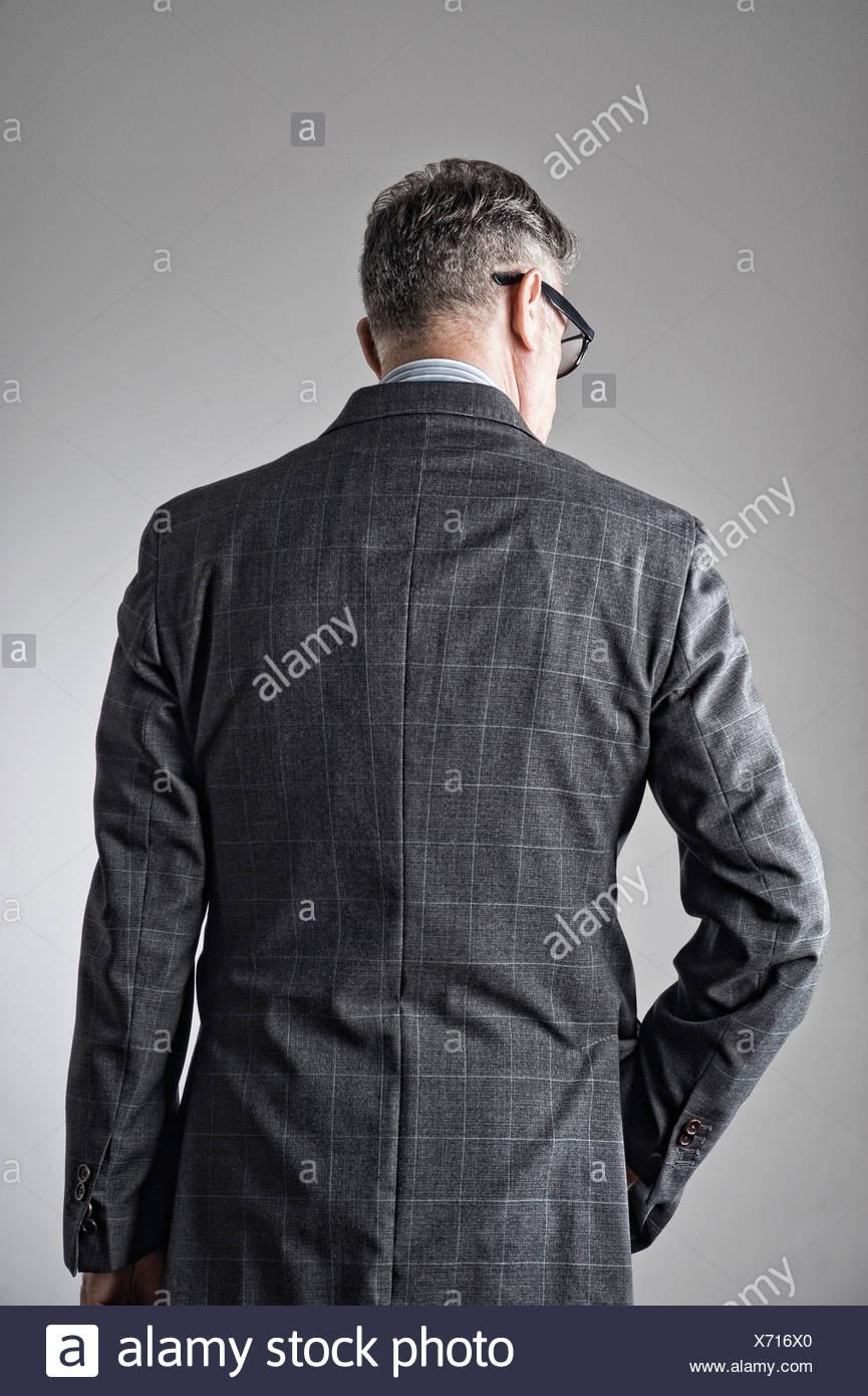 Porträt von senior woman, Anzug, Rückansicht Stockbild