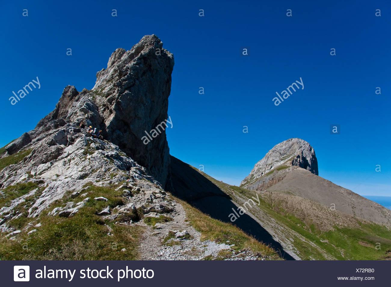 Mt. Oehrli auf der linken Seite, auf der rechten Seite des Mt. Haengeten, Alpsteingebirge Berge, Kanton St. Gallen, Schweiz, Europa Stockbild