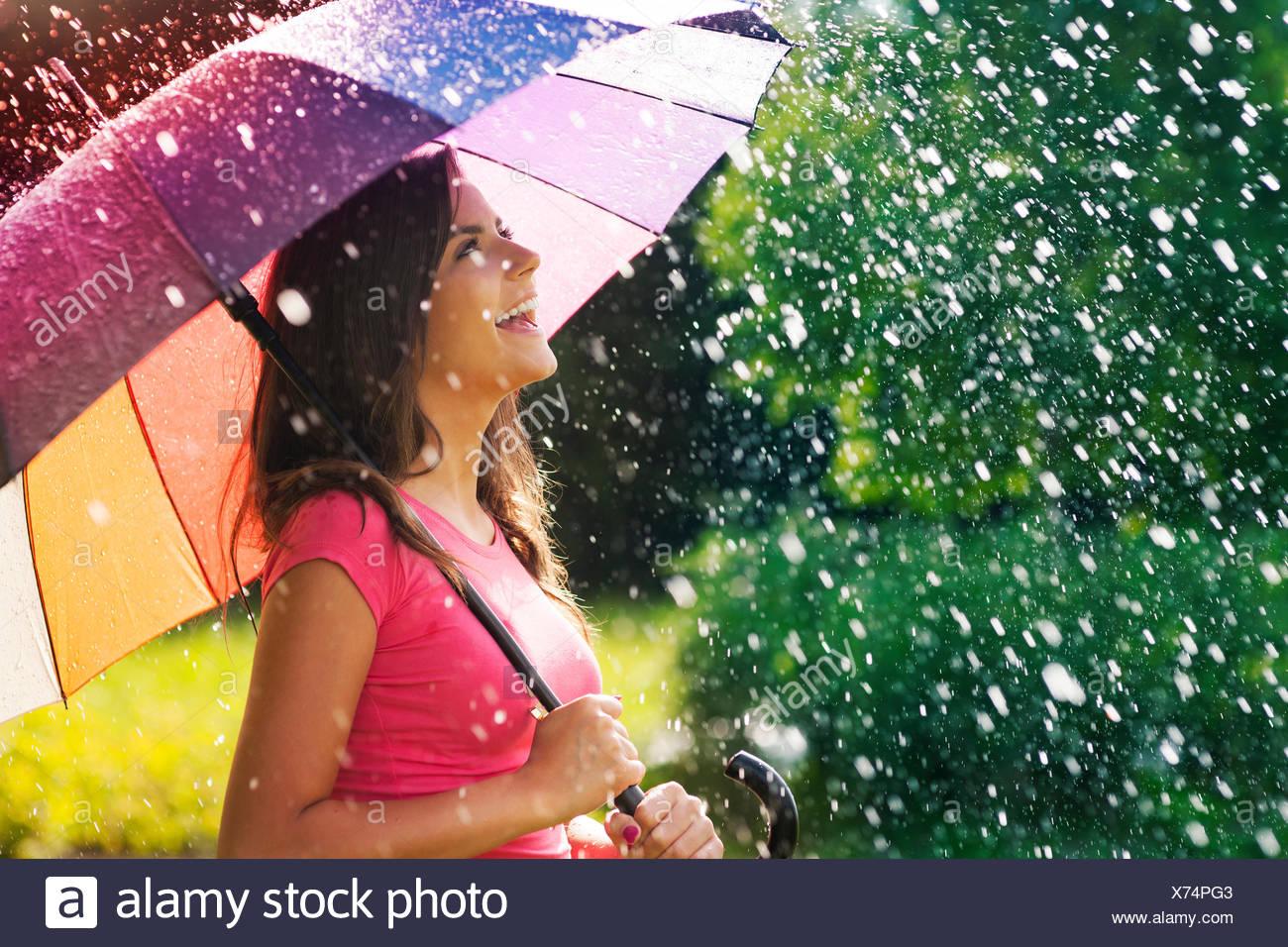 So viel Spaß von Sommerregen Debica, Polen Stockbild