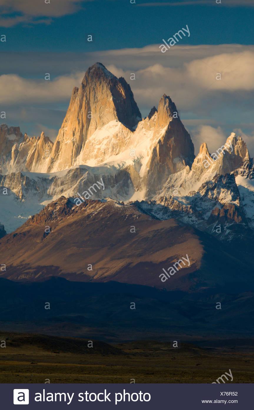 Cerro Fitzroy in Morgen Licht, Parque Nacional Los Tundrazone, südlichen Patagonien, Argentinien Stockbild