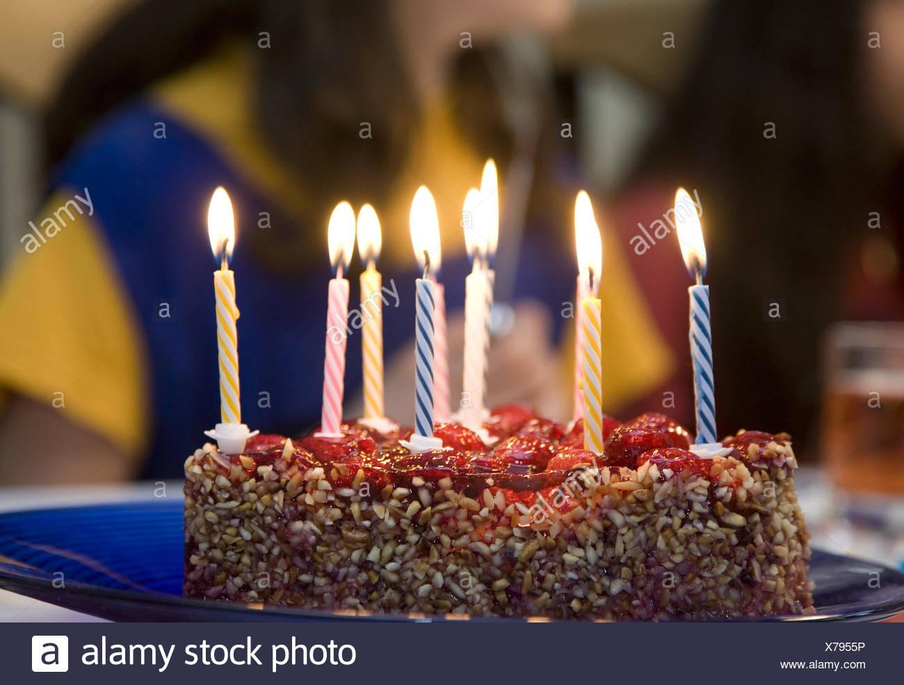 Geburtstagstorte Kerzen Hell Brennen Kindergeburtstag