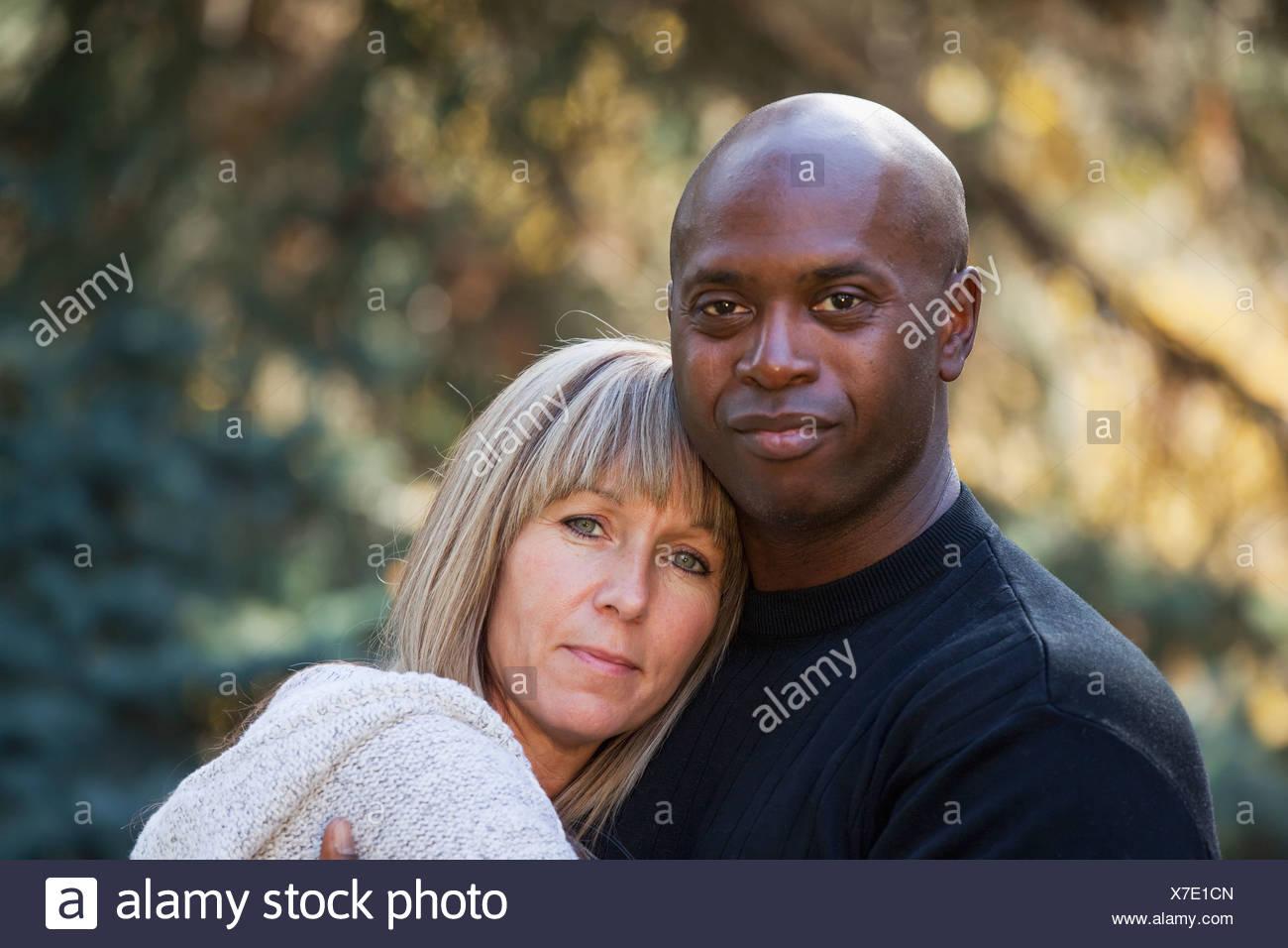 interracial kanada randevú a bádogon