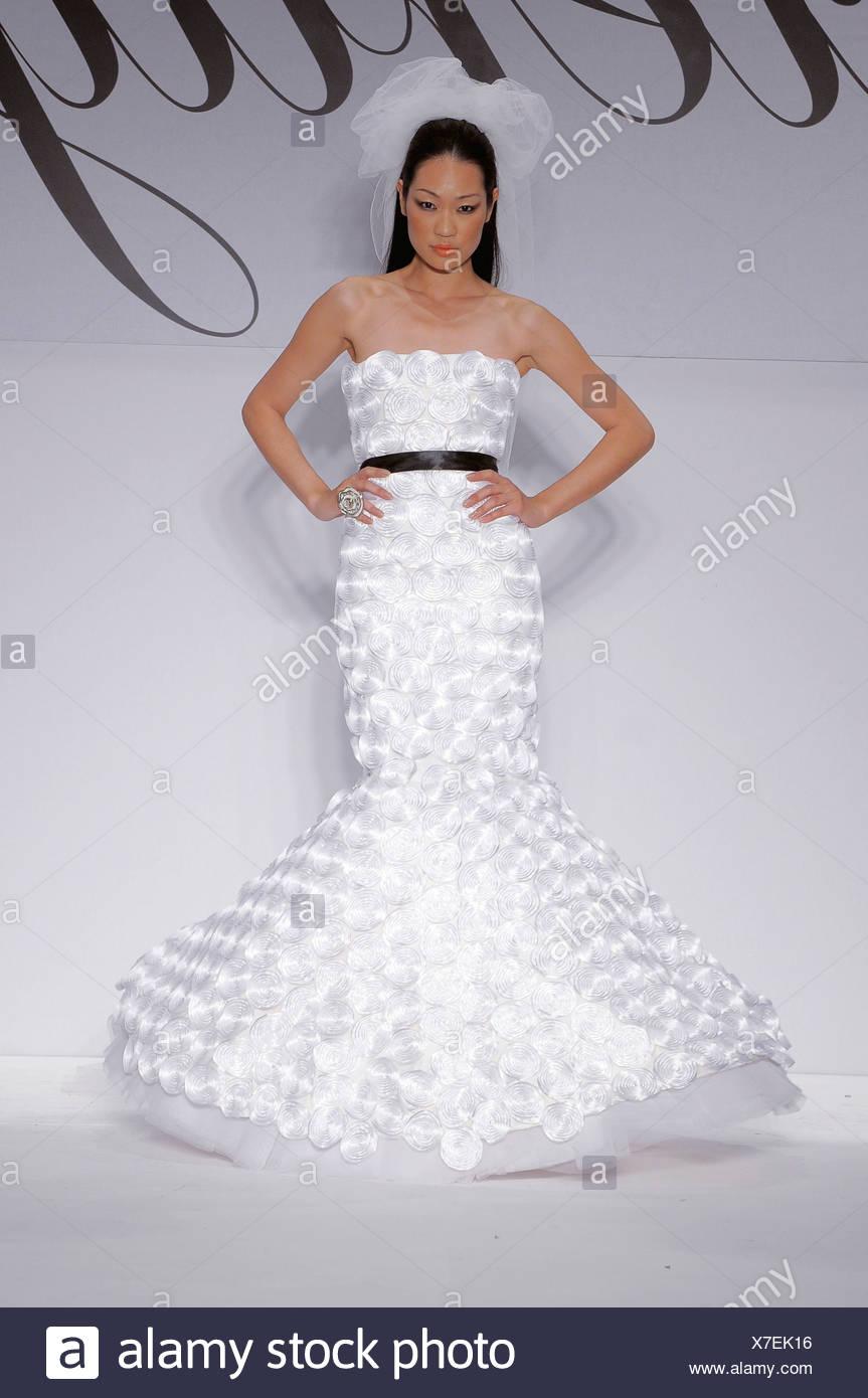 Ziemlich Frühling Sommer Brautkleider Fotos - Hochzeit Kleid Stile ...